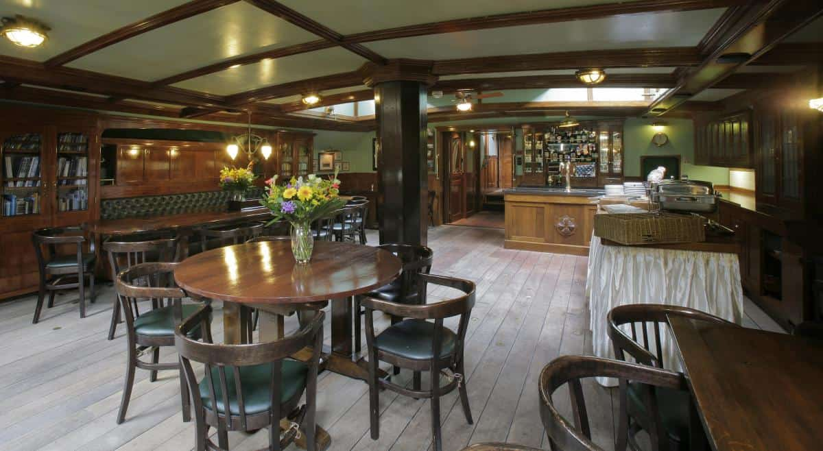 Schooner Oosterschelde has a spacious and elegant saloon with a bar and a piano
