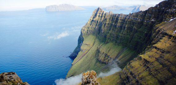 Tecla crew climbing giant cliffs in the Faroes