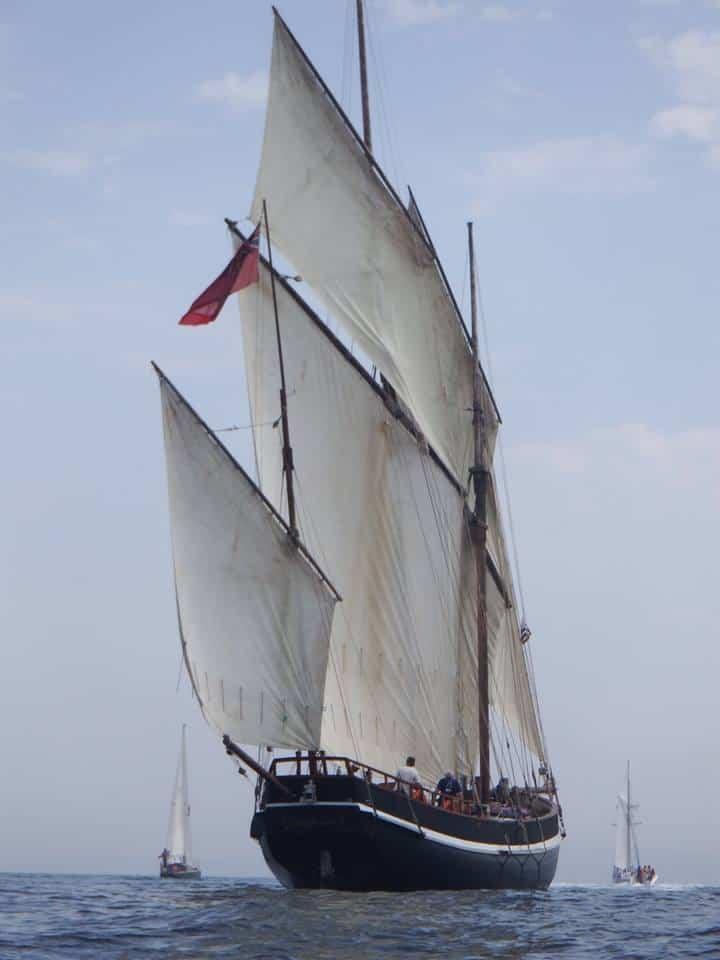 Grayhound the three masted lugger & privateer