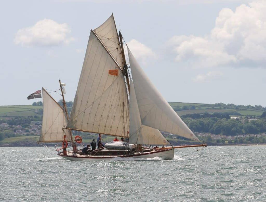 Moosk under sail.