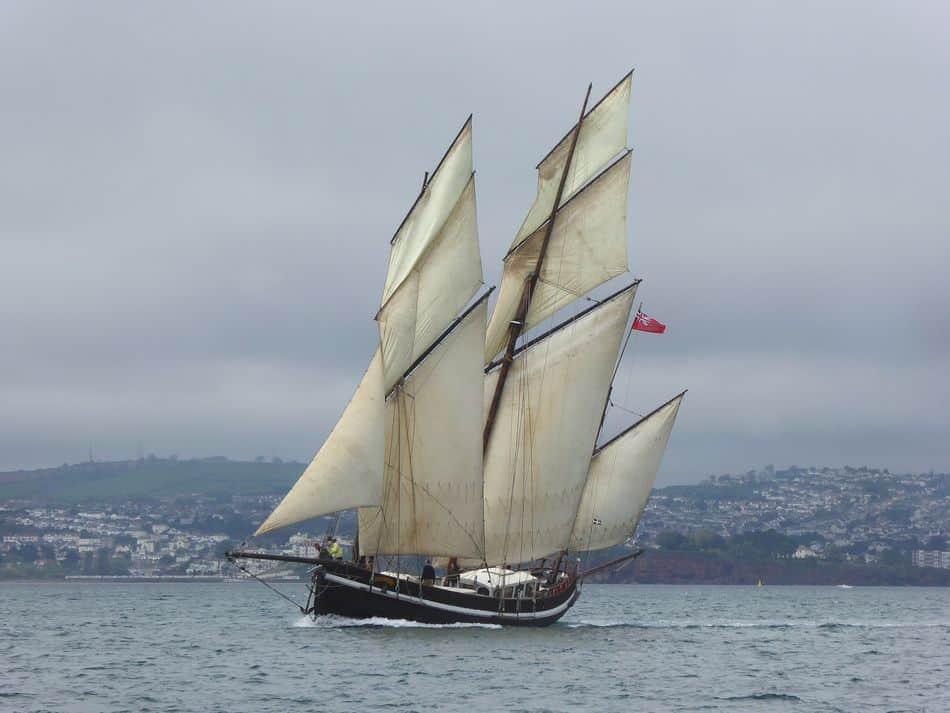 Grayhoud glides through the seas.