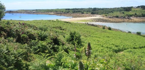 causeway between Gugh and St Agnes