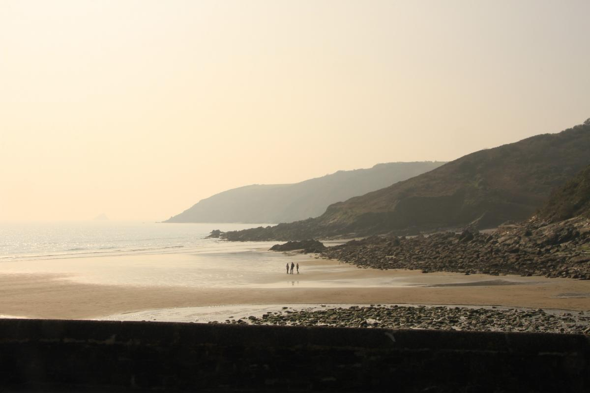West Country Sailing. River estuaries, beaches and rockpools.