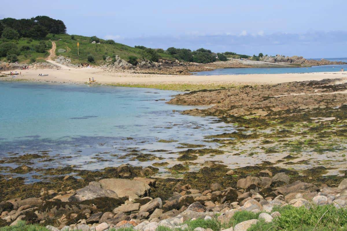 Your landing stage is a beach. Sand bar between Gugh and St Agnes