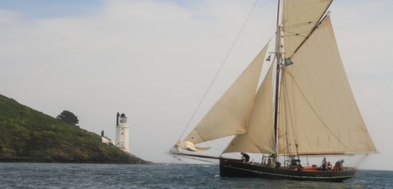 Agnes leaving port to sail eastwards