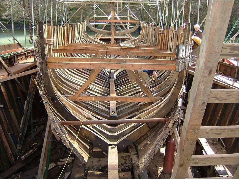 New keel and oak frames going in