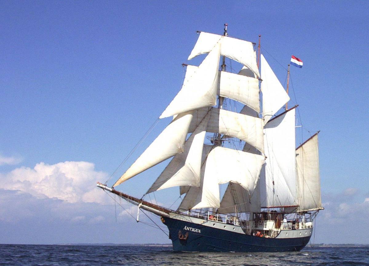 tall ship Antigua under full sail