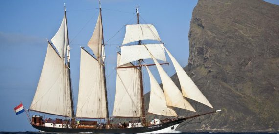 Sailing on Oosterschelde with Classic Sailing