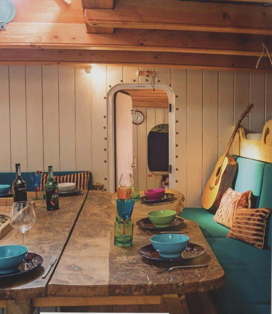Grayhound saloon - Treat the interior as a home - keep it dry