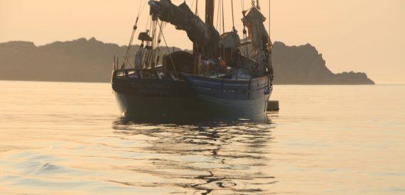 Pilot Cutter anchored off Shipman Head, Bryher
