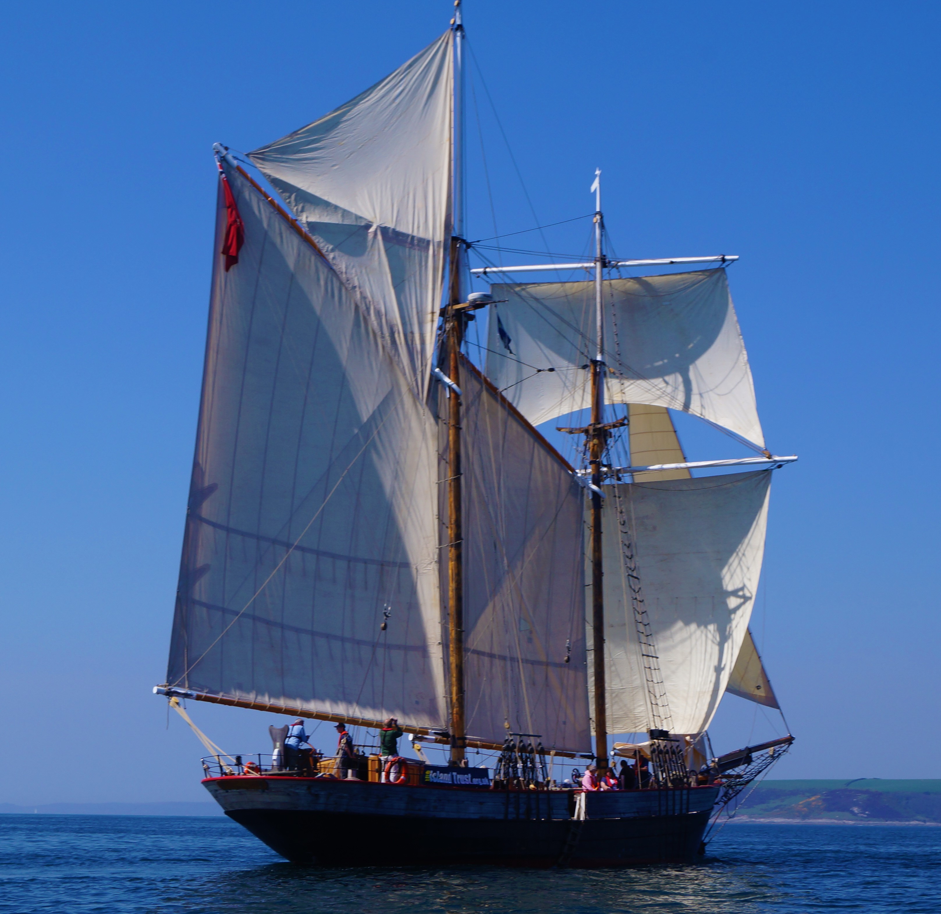 Johanna Lucretia under sail by Susan Lazer