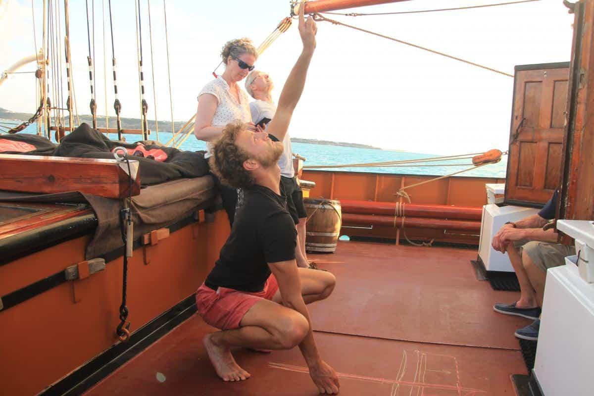 explaining how square sails work