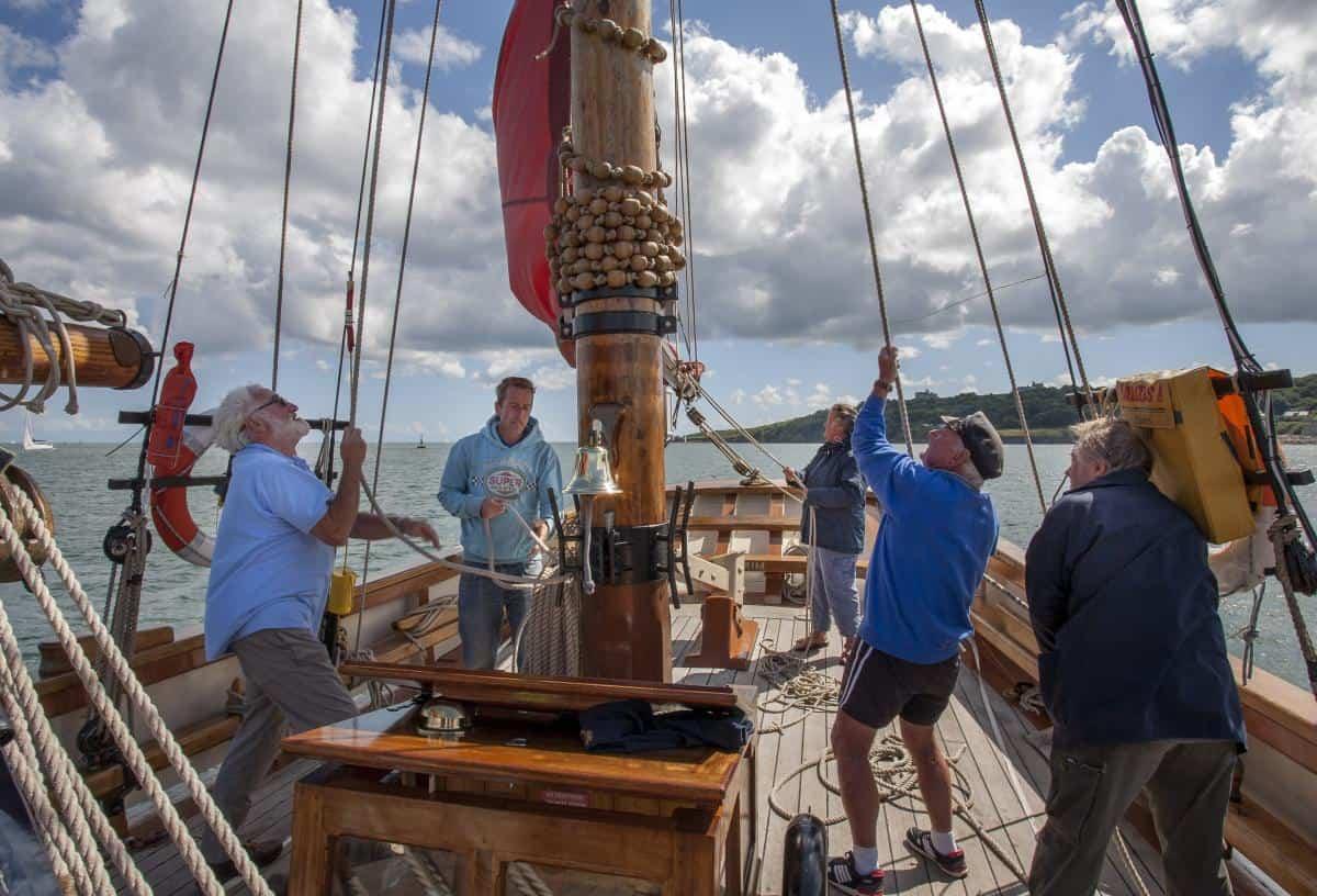 Pilgrim crew learning the ropes.
