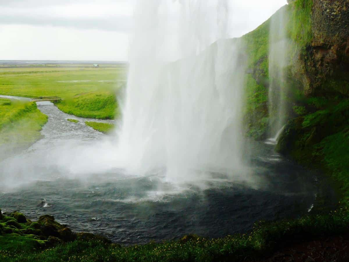 Waterfalls in Faroes and Iceland