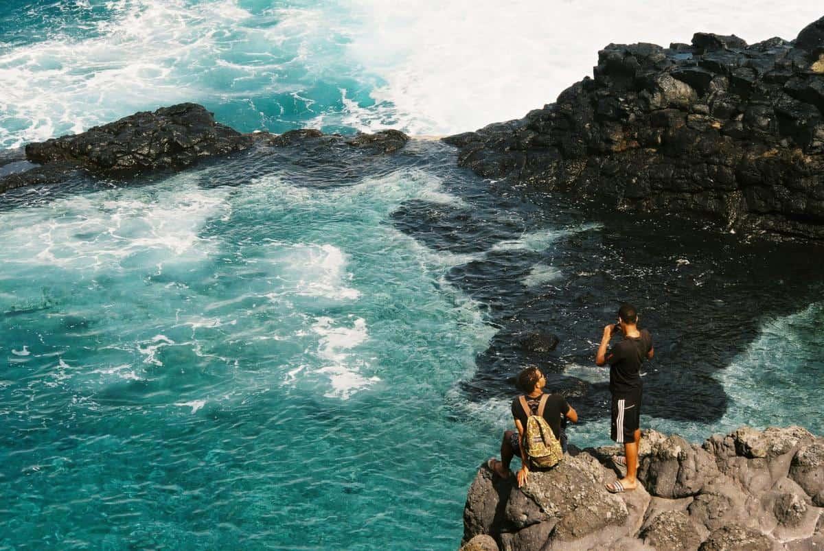 clifftop infinity pool - very scarey swim