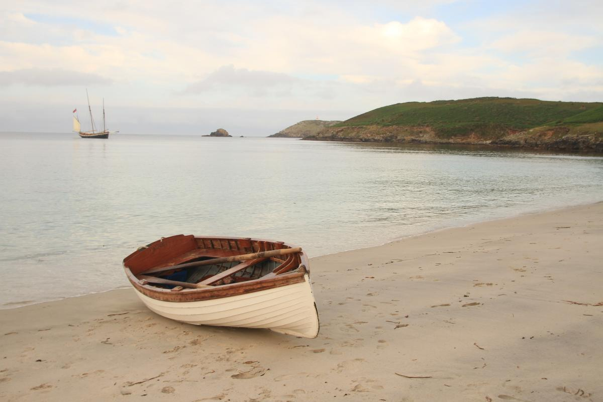 ships boat from Sailing lugger Grayhound, Sailing in the Isles of Scilly