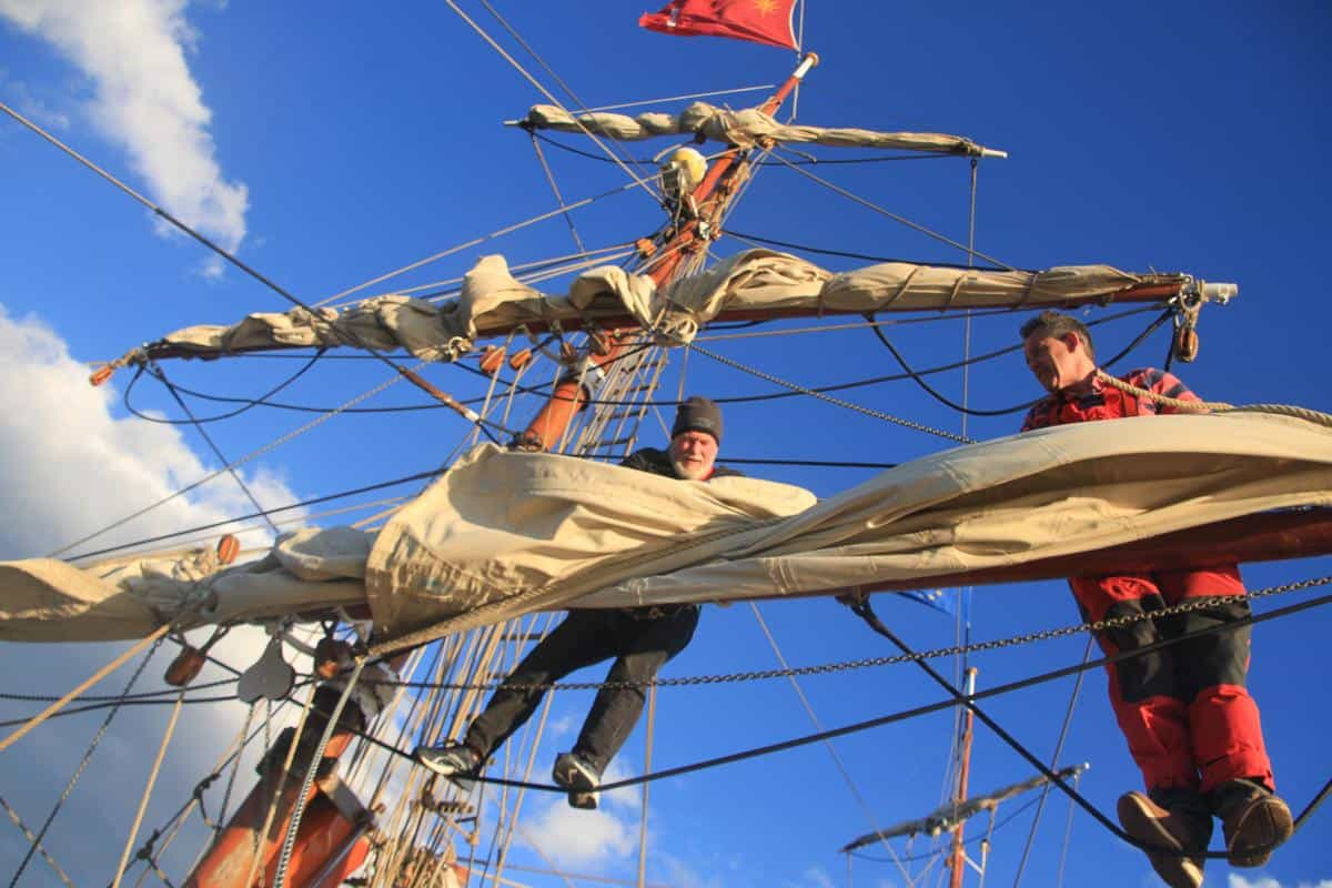 Impress your children or your grandchildren on a square rigger