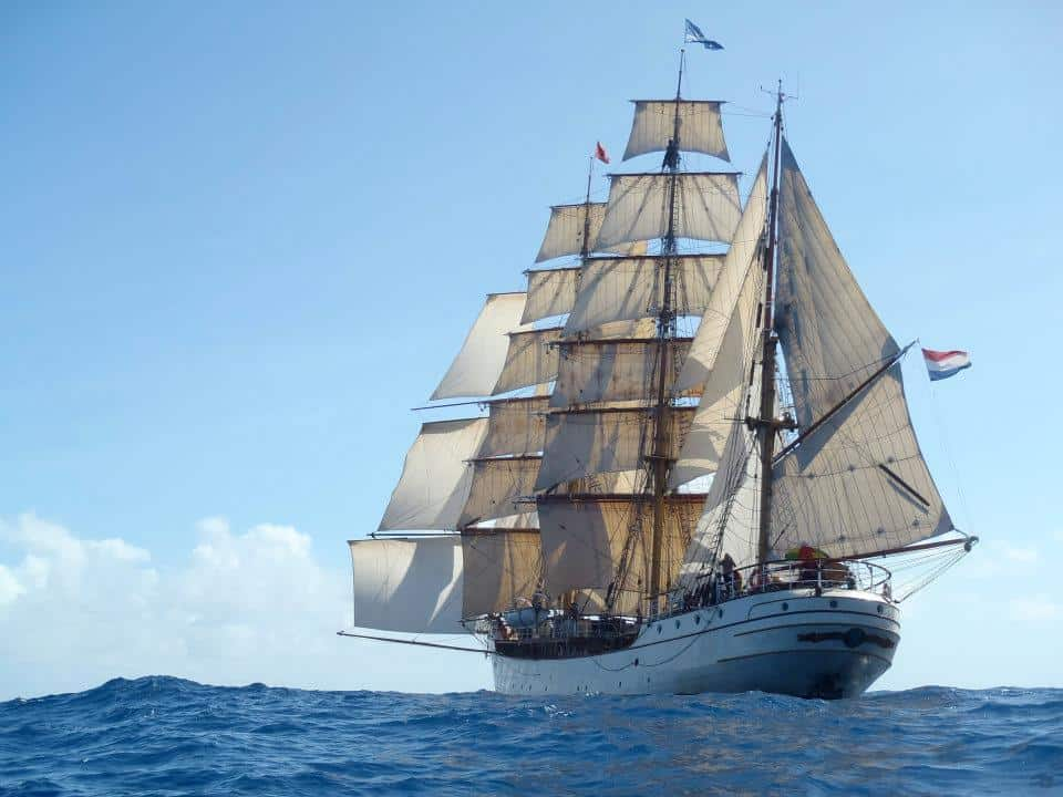 Stunsails and skysails on Europa