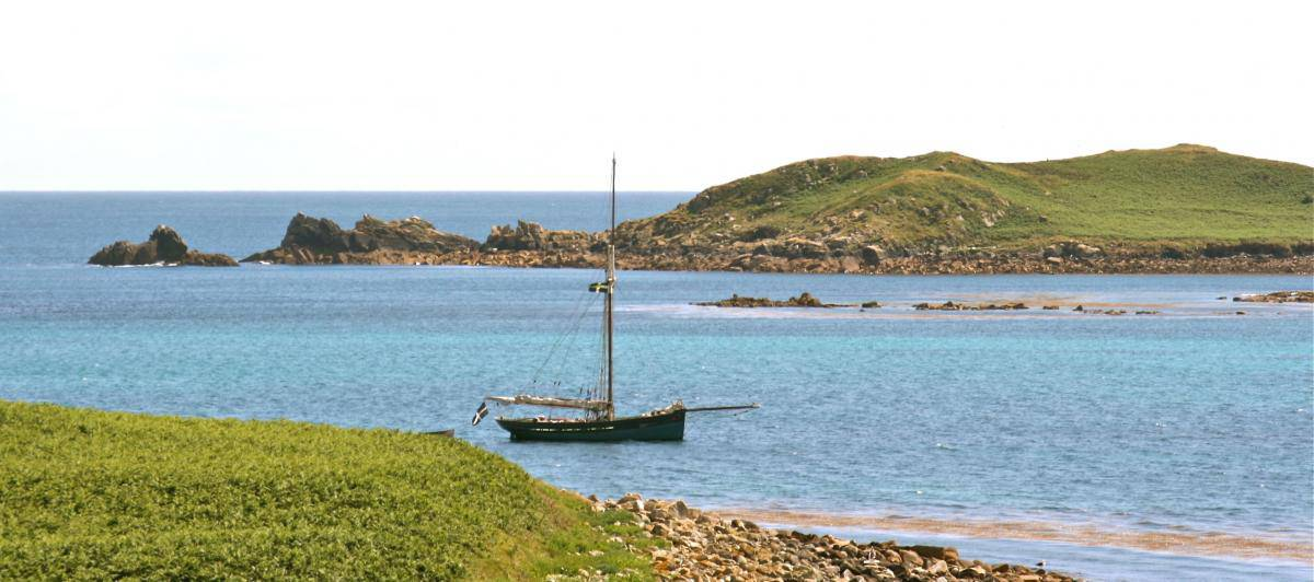Agnes amongst the Eastern Isles in the Scillies