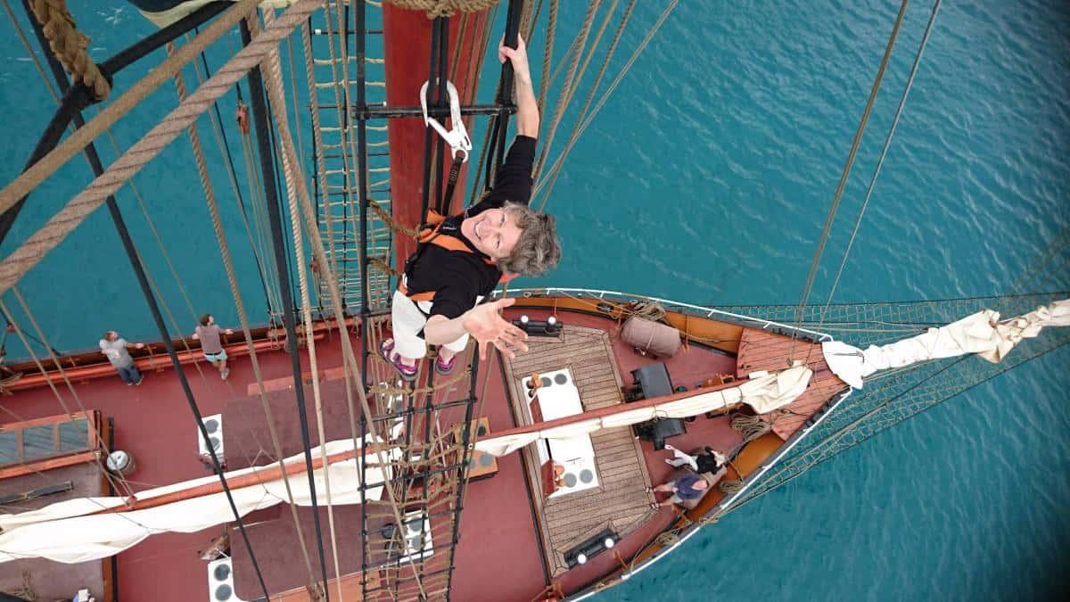 Linda up the rigging on Oosterschelde