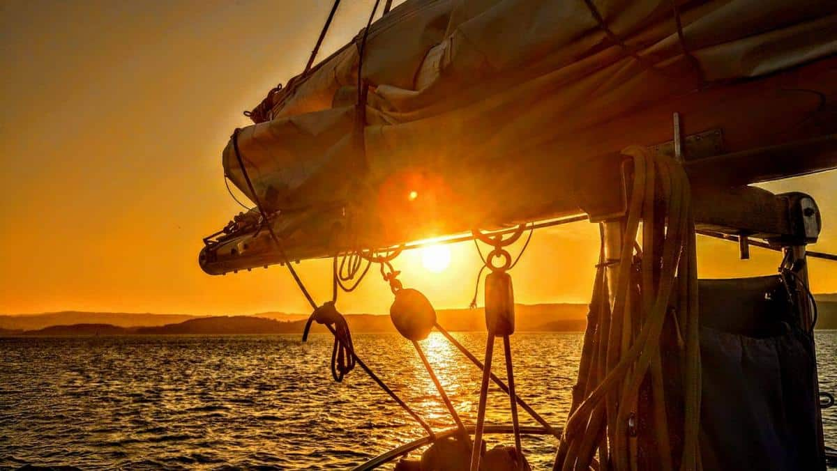 Sunset astern of Gaff Ketch Maybe