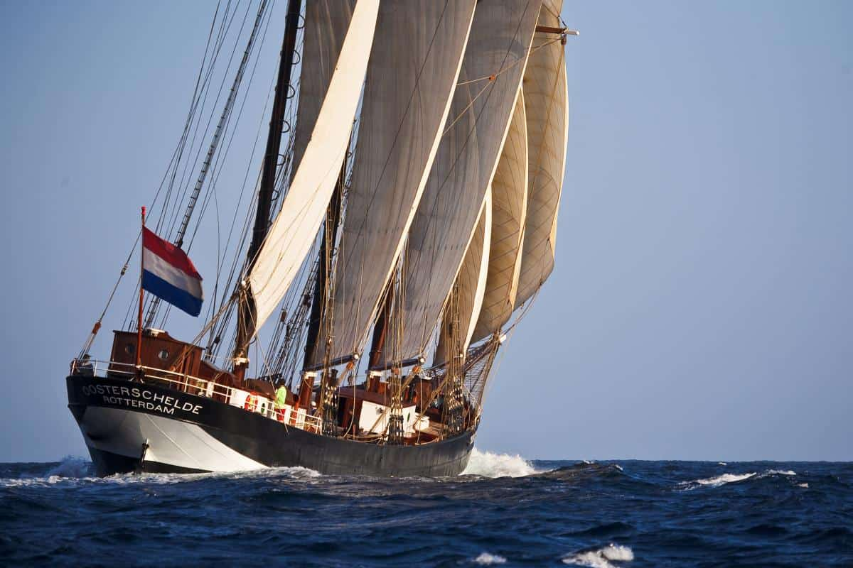 Oosterschelde making good use of the strong trade winds in Cape Verde