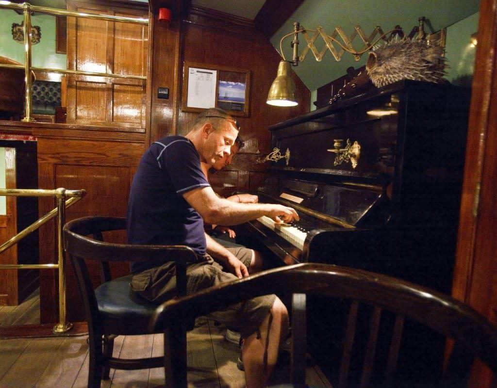 Piano on Oosterschelde