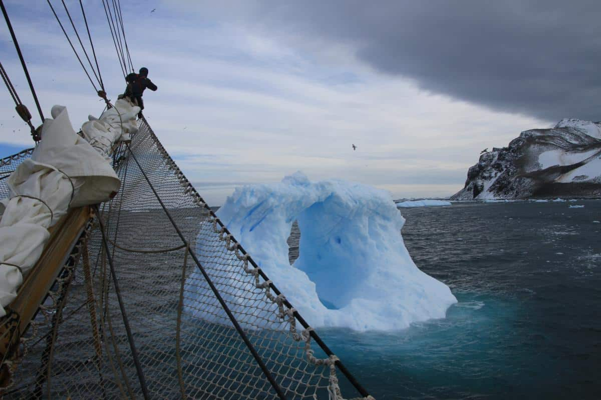 Anchoring between two icebergs for New Year