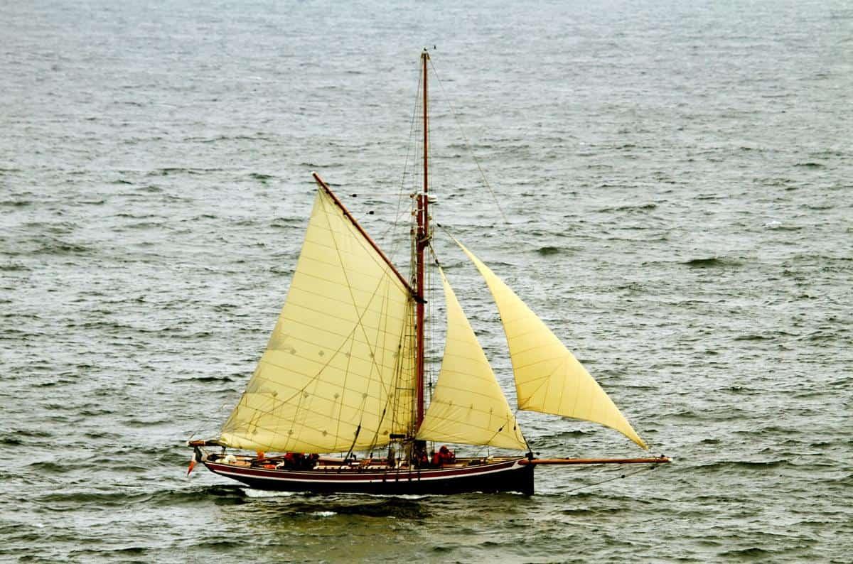 Classic Sailing Pilot Cutter Directory - Saint Michel II