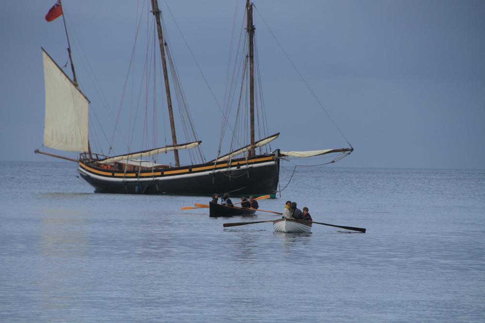 Land wine cargoes in the Scillies on lugger Grayhound