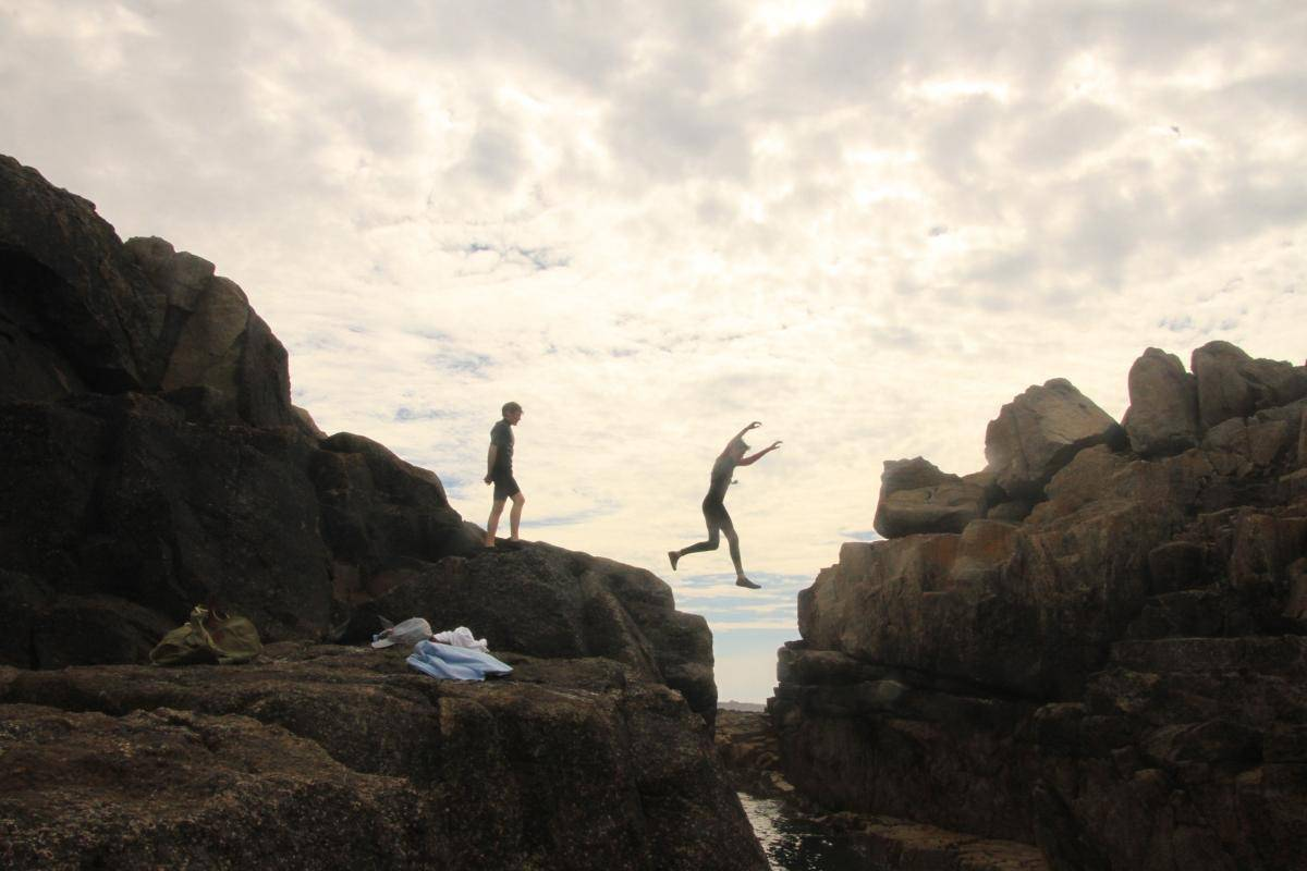 shipman head leap on Bryher - lads tombstoning