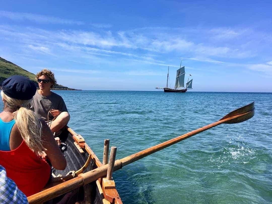 Whitsand Bay rowing ashore on Grayhound