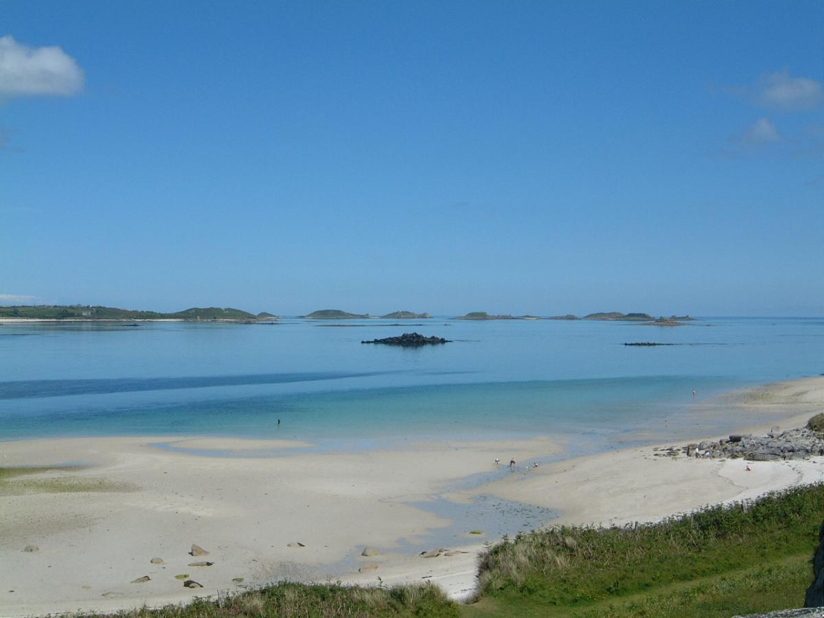 low tide view from Eastern Tresco sand flats by Will Wagstaff