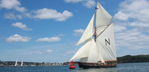 sail on Mascotte with Classic Sailing