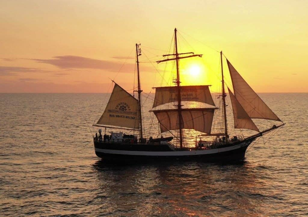 Sail on Pelican for the Darwin200 with Classic Sailing
